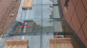 中空玻璃屋顶安装中